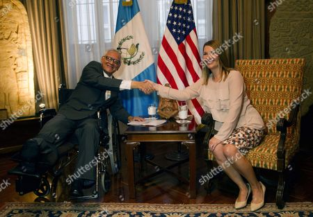 Us Deputy Secretary of State For Management and Resources Heather Higginbottom (r) Shakes Hands with the President of Guatemala Alejandro Maldonado (l) During Their Meeting in Guatemala City Guatemala 16 October 2015 Higginbottom Announced the Donation Made by the Usa of Five Million Us Dollar to the International Commission Against Impunity in Guatemala (cicig) to Help Fight Corruption Guatemala Guatemala City