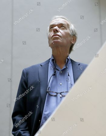 British Writer Martin Amis is Seen Before the Presentation of the Spanish Edition of His Book 'The Zone of Interest' in Barcelona Spain 01 October 2015 Spain Barcelona