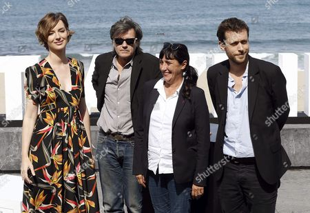 Belgian Filmmaker Joachim Lafosse (r) Poses with French Actress Louise Bourgoin (l) French Producer Sylvie Pialat (2-r) and French Production Designer Olivier Radot (2-l) During a Photocall For 'The White Knights' (les Chevaliers Blancs) at the 63rd Annual San Sebastian International Film Festival in San Sebastian Spain 24 September 2015 the Festival Runs From 18 to 26 September Spain San Sebastian