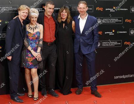 British Film Maker Rufus Norris (c) and Actors Anita Dobson (2-l) Clare Burt (2-r) Michael Schaeffer (l) and Paul Thornley (r) of the Movie 'London Road' Arrive For the Closing Ceremony of the 63rd Annual San Sebastian International Film Festival in San Sebastian Spain 26 September 2015 the Festival Runs From 18 to 26 September Spain San Sebastian