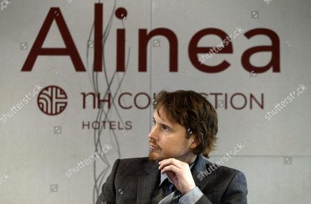 Us Chef Grant Achatz Owner of Chicago's Three-star Michelin Alinea Attends a Press Conference in Madrid Spain 13 October 2015 Achatz Announced That He Will Bring His Restaurant For a Month to Madrid to Mark the Alinea's 10th Anniversary His Restaurant Will Be Set Up at the Nh Collection Eurobuilding Hotel From the 06 January to 06 February 2016 During This Period Achatz Will Collaborate with Three-star Michelin Spanish Chef David Munoz From the Restaurant Diverxo Spain Madrid