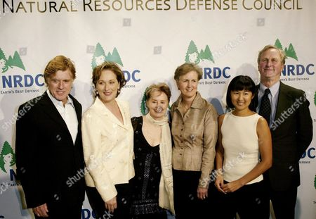 (left to Right) Producer/director Robert Redford Actress Meryl Streep Chef Alice Waters Ex Director of Nrdc Frances Beinecke Artist Maya Lin and President of Nrdc John Adam at the Sixth Annual Natural Resources Defense Council Forces of Nature Gala at Harry Cipriani's in New York On Monday 29 March 2004 Redford Has Been a Member of Nrdc's Board of Trustees For 28 Years and Was Honored Tonight For His Long Standing Support For Environmental and Conservation Issues