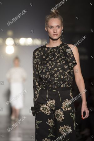 Stock Photo of Tanya Reutt on the catwalk