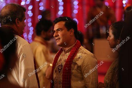 Deepak Verma as Varun Kapoor