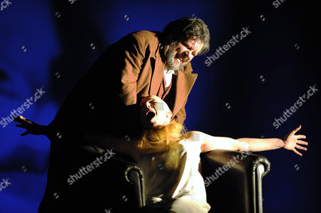 Stephen Gould (Paul), Nadja Michael (Marietta)