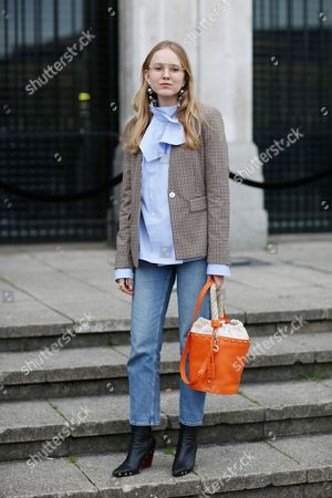Editorial picture of Street Style, Day 3, Autumn Winter 2017, London Fashion Week, UK - 19 Feb 2017