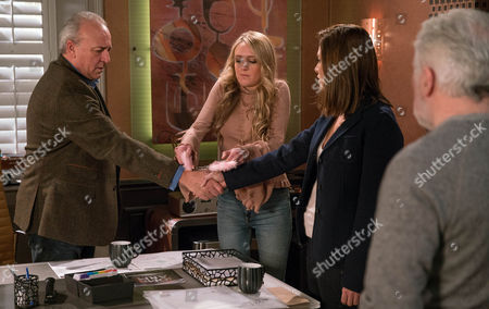 Chrissie White, as played by Louise Marwood, is being ousted from the family home. Her stuff has been packed up and she's turned up to collect it before leaving the village. But Rebecca White, as played by Emily Head, is still determined for Lawrence White, as played by John Bowe, and Chrissie to sort their differences, so Rebecca takes desperate measures by handcuffing her sister to Lawrence. As a guilty Ronnie, as played by John McArdle, looks on, will he confess he set her up after all? (Ep 7767 - Wed 8 Mar 2017)