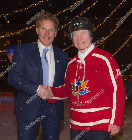 David Johnston, Governor General of Canada, Daniel Alfredsson, skating in Kungsträdgården, Stockholm