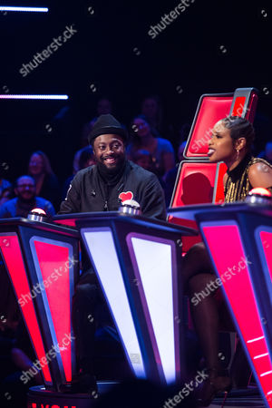 'The Voice UK' (Ep7) - Kit Rice performs Ain't No Sunshine by Bill Withers. Jennifer Hudson and Gavin Rossdale turn. Kit chooses Jennifer Hudson as her coach.