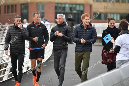 Steve Cram, Jonathan Edwards and Prince Harry at a marathon training session on the Quayside