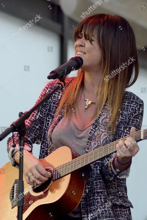 Vanesa Martin performs a showcase to promote her latest album 'Munay' at Spanish Cultural Center