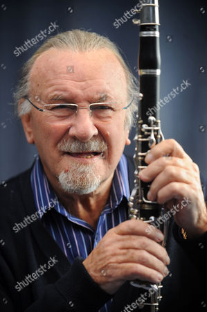 Jazz clarinetist Acker Bilk
