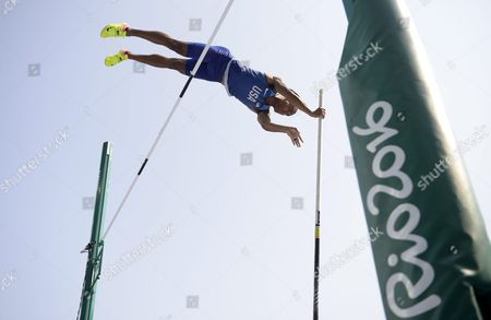Ashton Eaton of the Usa Competes in the Pole Vault Portion of the Decathlon Event of the Rio 2016 Olympic Games Athletics Track and Field Events at the Olympic Stadium in Rio De Janeiro Brazil 18 August 2016 Brazil Rio De Janeiro