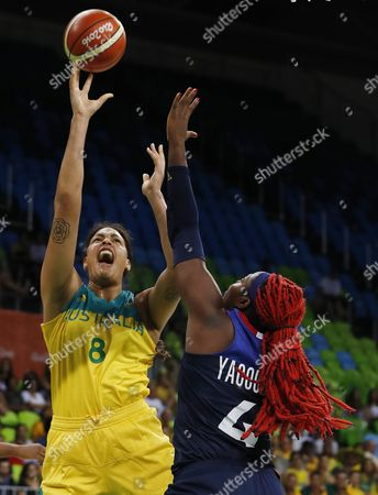 Australia's Elizabeth Cambage (l) Shoots Over France's Isabelle Yacoubou (r) During Their Rio 2016 Olympic Games Match at the Youth Arena in Deodoro Rio De Janeiro Brazil 09 August 2016 Brazil Rio De Janeiro