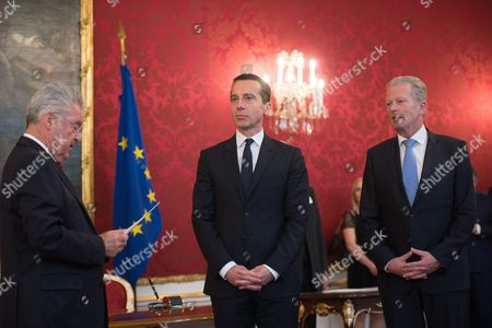Austrian Chancellor Christian Kern (c) Austrian Vice Chancellor Reinhold Mitterlehner (r) and Austrian President Heinz Fischer (l) During Kern's Inauguration in Vienna Austria 17 May 2016 Christian Kern Has Repleced Former Austrian Chancellor Werner Faymann Austria Vienna