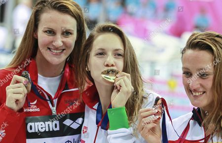 Gold Medalist Boglarka Kapas (c) of Hungary is Flanked by Silver Medalist Jazmin Carlin (l) of Britain and Bronze Medalist Mireia Belmonte Garcia (l) of Spain After Winning the Women's 400m Freestyle Final at the Len European Aquatics Championships 2016 in London Britain 22 May 2016 United Kingdom London
