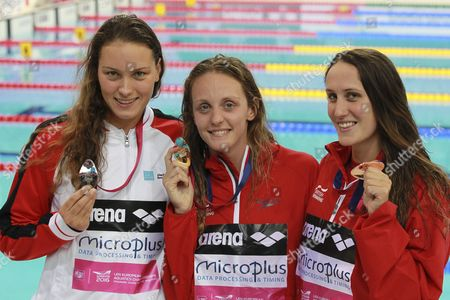 Gold Medal Winner Francesca Halsall From Great Britain (c) is Flanked by Silver Medalist Mie Nielsen From Denmark (l) and Bronze Medalist Georgia Davies From Great Britain (r) As They Pose with Their Medals After the Women's 50 M Backstroke Final at the Len European Aquatics Championships 2016 in London Britain 21 May 2016 United Kingdom London