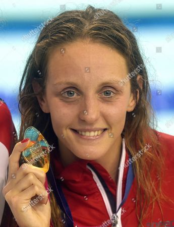 Gold Medal Winner Francesca Halsall From Great Britain Poses with Her Medal After the Women's 50 M Backstroke Final at the Len European Aquatics Championships 2016 in London Britain 21 May 2016 United Kingdom London