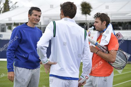 Former Dutch Tennis Player Richard Richard Krajicek (l) and Switzerland's Stan Wawrinka (r) Chat with Nicolas Mahut Player After a Practice Session For the Aegon Tennis Championships at the Queen's Club in London Britain 14 June 2016 the Atp World Tour 500 Tournament Takes Place From 13 to 19 June 2016 United Kingdom London