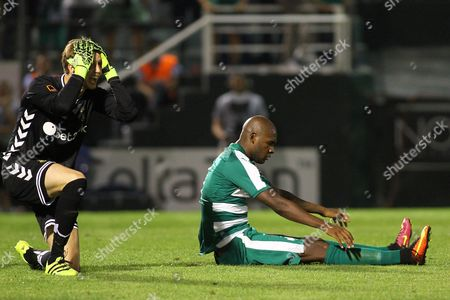 Frederik Ronnow (l) Goalkepper of Brondby Reacts For the Penalty Against Victor Ibarbo (r) During the Uefa Europa League Play Offs Match Between Panathinaikos Athens and Brondby at Apostolos Nikolaidis in Athens Greece 18 August 2016 Greece Athens