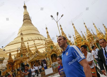 Leicester City's Australian Goalkeeper Mark Schwarzer and His Teammates Visit the Holy Shwedagon Pagoda in Yangon Myanmar 22 May 2016 Leicester City Owned by Thai Billionaire Vichai Srivaddhanaprabha Visited Myanmar's Holy Landmark Shwedagon Pagoda After Winning the English Premier League Title For the First Time in the Club's History Myanmar Yangon