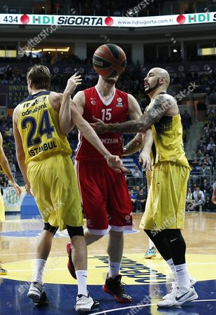 Cedevita Zagreb's Miro Bilan (c) in Action Against Fenerbahce Istanbul's Jan Vesely (l) and Pero Antic (r) During the Euroleague Basketball Match Between Fenerbahce and Cedevita Zagreb in Istanbul Turkey 28 January 2016 Turkey Istanbul