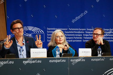 French Director Michel Hazanavicius (l) German Actress Hanna Shygulla (c) and Polish Actor Andrzej Chyra Attends a New Conference at the European Parliament in Brussels Belgium 20 October 2015 Conference is About Refugee Crisis to Receive Appeal From European Film Celebrities 'For a Thousand Lives: Be Human ' Belgium Brussels