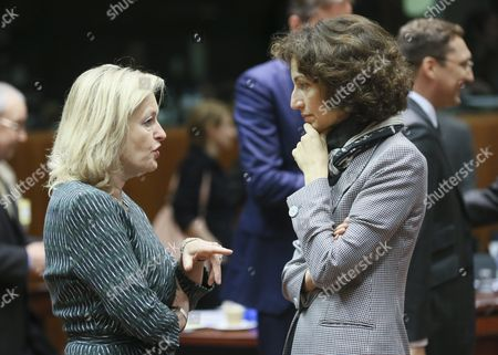 Dutch Culture Minister Jet Bussemaker (l) Chats with French Culture Minister Audrey Azoulay (r) at the Start of a Council Meeting of European Ministers in Charge of Culture in Brussels Belgium 31 May 2015 the Meeting According to a Media Release is Focussed on the Preventiaon of Youth Radicalisation As Well As Education to Help Young People to Become Media Literate Belgium Brussels