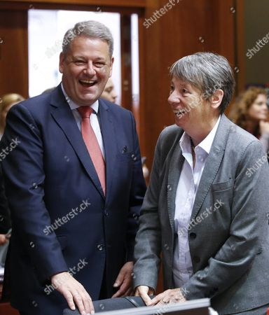 Austrian Minister of Agriculture Forestry Environment and Water Management Andrae Rupprechter (l) and German Environment Minister Barbara Hendricks (r) Talk at the Start of an Eu Environment Ministers Council Meeting in Brussels Belgium 18 September 2015 Ministers Meet to Prepare the Eu Position For the Un Climate Change Conference Which Takes Place in Paris Between 30 November and 11 December the Council is Expected to Adopt Conclusions Reflecting Its Negotiating Position Belgium Brussels