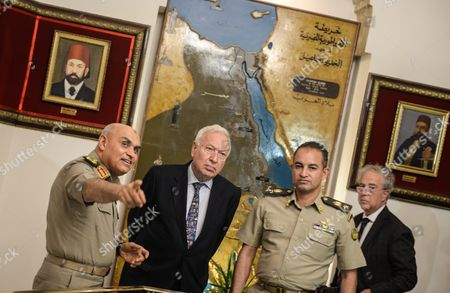 Spanish Foreign Minister Jose Manuel Garcia-margallo (2-l) During His Meeting with the Egyptian Minster of Defense Sedki Sobhi (l) at the Ministry of Defense in Cairo Egypt 23 October 2016 Garcia-margallo is on Official Visit to Egypt For Two Days Egypt Cairo