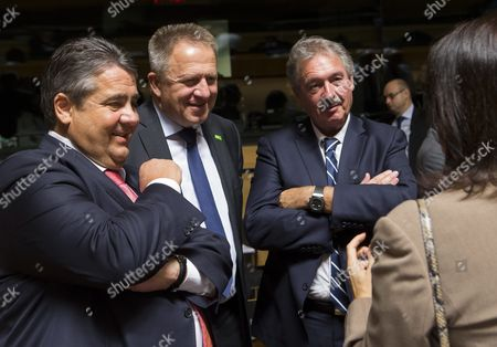 (l-r) German Economy Minister Sigmar Gabriel Slovenian Minister of Economic Development and Technology Zdravko Pocivalsek Luxembourg's Foreign Minister Jean Asselborn and Sweden's Minister of Eu Affairs and Trade Ann Linde Chat at the Start of the Foreign Affairs Council Meeting on Trade in Luxembourg 18 October 2016 on the Agenda of the Council Meeting is the Adoption of the Comprehensive Economic and Trade Agreement (ceta) Between Canada and the European Union Luxembourg Luxembourg