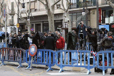 Journalists wait in front of the courthouse in Palma Majorca where Inaki Urdangarin, the husband of Spanish Princess Cristina, and his former partner Diego Torres are expected to appear as the court is to decide whether they should enter in prison while their appeals are examined by the courts, in Palma Majorca, the Balearic Islands, eastern Spain, 23 February 2017. Inaki Urdangarin was sentenced to six years and three months in prison and his former partner, Diego Torres, to eight and half years in prison, after they were found guilty on 17 February for corruption and tax offences in the Noos corruption case. Princess Cristina was acquited of the charges of fraud but was sentenced to pay a fine of 265,000 euros.