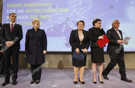 (l-r) Estonia Prime Minister Taavi Roivas Lithuanian President Dalia Grybauskaite Prime Minister of Latvia Laimdota Straujuma Poland's Prime Minister Ewa Kopacz and European Commission President Jean Claude Juncker During a Signature Ceremony For First Gas Interconnector Between Poland and Lithuania on the Side of Eu Summit in Brussels Belgium 15 October 2015 Eu Heads of State Or Government Will Focus on Migration the Completion of the Economic and Monetary Union and the State of Play on the Uk Referendum Are Also Topics to Be Discussed Belgium Brussels