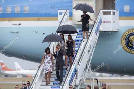 Us President Barack Obama (r) Waves Beside First Lady Michelle Obama (l) Their Daughters Malia (back L) and Sasha (back R) and Mother-in-law Marian Shields Robinson (top) As They Disembark From the 'Air Force One' Plane Upon Arrival at the Jose Marti International Airport in Havana Cuba 20 March 2016 Us President Barack Obama Arrived For an Official Visit to Cuba From 20 to 22 March 2016 the First Us President to Visit Since Calvin Coolidge 88 Years Ago Cuba Havana