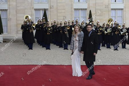 Arrival of Australian Actress Melissa George and Her Partner Jean-david Blanc For the State Dinner in Honor of Sir Peter Cosgrove Governor General of the Commonwealth of Australia at the Elysee Palace in Paris France 26 April 2016 France Paris