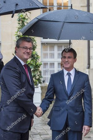 French Prime Minister Manuel Valls (r) and Croatian Prime Minister Tihomir Oreskovic (l) Pose For the Photographs to Prior Their Meeting at the Matignon Palace in Paris France 30 May 2016 France Paris