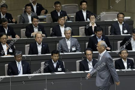 Tokyo Governor Yoichi Masuzoe Rearrives at a Plenary Session of the Tokyo Metropolitan Assembly at the Prefectural Parliament Building in Tokyo Japan 15 June 2016 Earlier in the Day Masuzoe Handed in His Resignation After Receiving Criticism on His Usage of Political Funds Japan Tokyo