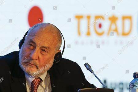 Nobel Laureate Economist Joseph Stiglitz Listens While Others Speak at a High Level Panel Discussion on the Development Course of Africa During the Sixth Tokyo International Conference on African Development (ticad Vi) in Nairobi Kenya 28 August 2016 Japanese Prime Minister Shinzo Abe is on a Three-day Visit to Kenya to Attend the Tokyo-africa Conference Held Outside of Japan For the First Time Kenya Nairobi