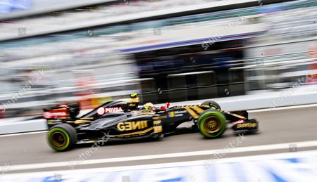 Venezuelan Formula One Driver Pastor Maldonado of Lotus F1 Team Leaves the Cockpit During the First Practice Session at the Sochi Autodrom Circuit in Sochi Russia 09 October 2015 the 2015 Formula One Grand Prix of Russia Will Take Place on 11 October 2015 Russian Federation Sochi