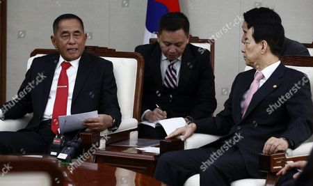 Indonesian Defense Minister General Ryamizard Ryacudu (l) Talks with South Korean Defense Minister Han Min-goo (r) During Their Meeting at the Headquarters of the Defense Ministry in Seoul South Korea 23 March 2016 Indonesian Defense Minister General Ryamizard Ryacudu Arrived in Seoul to Strengthen Bilateral Defense Cooperation Korea, Republic of Seoul