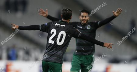 Sporting Lisbon's Bryan Ruiz (l) Celebrates with Team Mate Alberto Aquilani After Scoring Against Besiktas During the Uefa Europa League Group H Soccer Match in Istanbul Turkey 01 October 2015 Turkey Istanbul