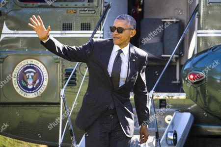 Us President Barack Obama Walks Off of Marine One After Returning From a Trip to Pennsylvania and Ohio in Washington Dc Usa 14 October 2016 in Pittsburgh Obama Spoke at a White House Frontiers Conference Panel Discussion; in Ohio He Delivered Remarks at an Event For the Ohio Democratic Party and Governor Ted Strickland United States Washington