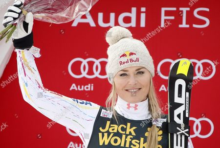 Second Placed Lindsay Vonn of the Usa Celebrates on the Podium For the Women's Combined Race at the Fis Alpine Skiing World Cup in Val D'isere France 18 December 2015 France Val D'isere