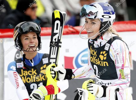 Winner Lara Gut (l) of Switzerland and Second Placed Lindsay Vonn of the Usa Celebrate in the Finisgh Area During the Women's Combined Race at the Fis Alpine Skiing World Cup in Val D'isere France 18 December 2015 France Val D'isere