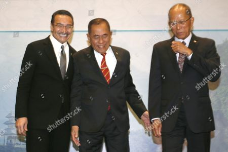 (l-r) Malaysian Minister of Defense Hishammuddin Hussein Indonesian Defense Minister General Ryamizard Ryacudu and Philippines Defense Secretary Delfin Lorenzana Converse During the Third Trilateral Defence Minister Meeting in Nusadua Bali Indonesia 02 August 2016 Bali is Hosting the Third Trilateral Defence Ministerial Meeting Between Indonesia Malaysia and Philippines From 01 to 02 August 2016 with Discussions Pertaining to Security Measures in the Maritime Region of the Sulu Sea on the Agenda Indonesia Nusadua