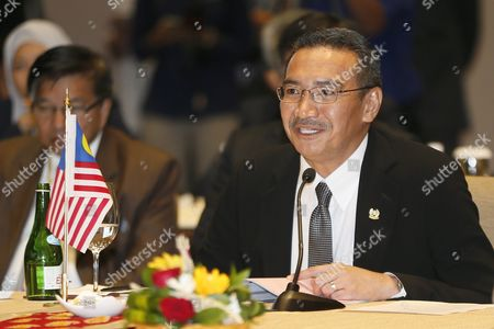 Malaysian Minister of Defense Hishammuddin Hussein (r) Delivers Speaks During the Third Trilateral Defence Minister Meeting in Nusadua Bali Indonesia 02 August 2016 Bali is Hosting the Third Trilateral Defence Ministerial Meeting Between Indonesia Malaysia and Philippines From 01 to 02 August 2016 with Discussions Pertaining to Security Measures in the Maritime Region of the Sulu Sea on the Agenda Indonesia Nusadua