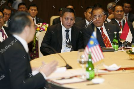 Indonesian Defense Minister General Ryamizard Ryacudu (r) Listens to Malaysian Minister of Defense Hishammuddin Hussein (l) During the Third Trilateral Defence Minister Meeting in Nusadua Bali Indonesia 02 August 2016 Bali is Hosting the Third Trilateral Defence Ministerial Meeting Between Indonesia Malaysia and Philippines From 01 to 02 August 2016 with Discussions Pertaining to Security Measures in the Maritime Region of the Sulu Sea on the Agenda Indonesia Nusadua