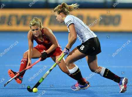 England's Georgie Twigg (l) Fights For the Ball with Germanys Anne Schroder (r) During the Eurohockey 2015 Women's Match Between England and Germany at the Lee Valley Hockey Centre Queen Elizabeth Olympic Park in London Britain 26 August 2015 United Kingdom London