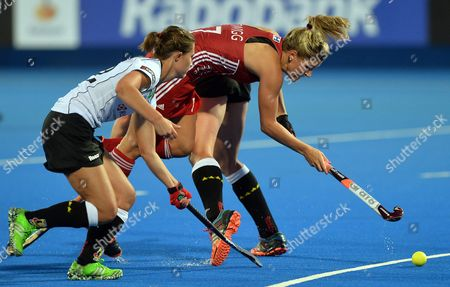 England's Georgie Twigg (c) Fights For the Ball with Germany's Lea Stockel (l) During the Eurohockey 2015 Women's Match Between England and Germany at the Lee Valley Hockey Centre Queen Elizabeth Olympic Park in London Britain 26 August 2015 United Kingdom London