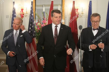 Latvian President Raimonds Vejonis (c) and Us Vice President Joe Biden (l)estonian President Toomas Hendrik Ilves During a Press Conference After Their Meeting in Riga Latvia 23 August 2016 Biden is on an Offical Visit to Latvia Latvia Riga